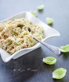 Sitruunainen ruusukaalislaw / Lemony brussels sprout slaw Brussels Sprout, Coleslaw, Macaroni And Cheese, Baking, Ethnic Recipes, Garden, Kitchen, Food, Brussels Sprouts