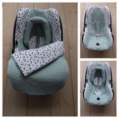 Maxi Cosi set Oud Groen / Triangel – Cabrio Fix – Autos online Monthly Baby Photos, Baby Information, Baby Gadgets, Baby Box, Baby Comforter, Baby On The Way, Baby Essentials, Baby Disney, Baby Accessories