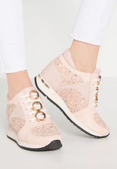 Lost Ink - TANDY  PANELLED EYELET LACE LO-TOP - Trainers - light pink