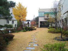 가을 교회 정원