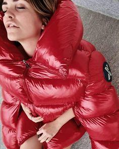 Nylons, Moncler Jacket Women, Coats For Women, Jackets For Women, Feather Coat, Down Winter Coats, Mens Down Jacket, Womens Wetsuit, Puffy Jacket