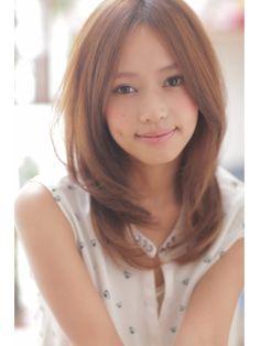 ☆ZIna☆センターパートがキレイな美髪セミロング☆/Zina SHINJYUKU 《ジーナ シンジュク》をご紹介。2015年春夏の最新ヘアスタイルを20万点以上掲載!ミディアム、ショート、ボブなど豊富な条件でヘアスタイル・髪型・アレンジをチェック。