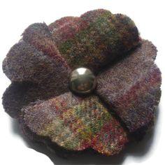 Woolen flower brooch £3.00