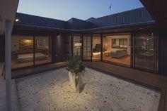 空間設計室 の オリジナルな バルコニー&ベランダ&テラス 藤井下組の家
