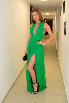 Green A Line Chiffon Sexy Plunge Prom Dresses Pleat Side Slit Evening Formal Gowns Gold Evening Dresses, V Neck Prom Dresses, Girls Dresses, Dress Prom, Dress Long, Party Dresses, Dress Up Shoes, Custom Made Prom Dress, Simple Prom Dress