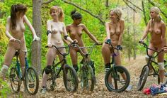 naked girls on motor bikes: 19 тыс изображений найдено в Яндекс.Картинках