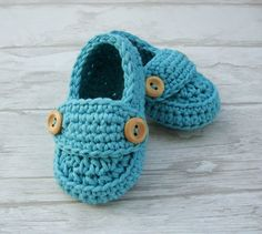 Crochet Baby booties blue loafers shoes size 3/6months with giftbox ready to ship on Etsy, $16.00