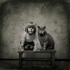 La petite fille et le chat