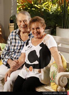O amor pode, sim, durar uma vida inteira, Paulo Goulart e Nicette Bruno são exemplo disso. Ambos com seus 80 anos, eles fazem 59 anos de casados agora em 2013. <3