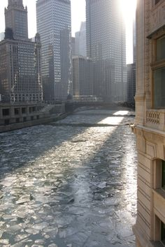 Chicago River freezing over