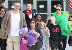 17 Hot Hollywood Celebrities With Super-Sized Families (PHOTOS) | The Stir