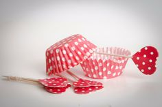 Pirottini CUPCAKE base di carta pois bianco/rosso di buyititaly su DaWanda.com