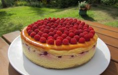Herkkuja leipomassa: Vadelmainen juustokakku/ Cheesecake With Rasberrie...