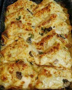 Crepes funghi, cotto e besciamella col Bimby - Ricette Bimby Laura G, Healthy Cafe, Kneading Dough, Crepe Recipes, Smart Kitchen, Omelette, Antipasto, My Favorite Food, Ricotta