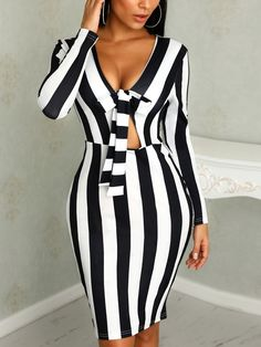 Contrast Stripes Long Sleeve Knotted Bodycon Dress Shop- Women's Best Online Shopping - Offering Huge Discounts on Dresses, Lingerie , Jumpsuits , Swimwear, Tops and More. Tube Dress, Pattern Fashion, Womens Fashion, Fashion Trends, 50 Fashion, Cheap Fashion, Affordable Fashion, Fashion Styles, Summer Dresses