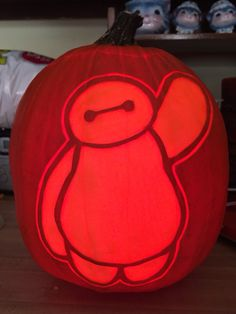 Beymax pattern by Stoneykins. Carved on a real pumpkin by WynterSolstice. 2015.