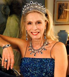 Lady Colin Campbell wearing the L'Imperatrice Parure, United Kingdom (21st c.; Tiara, Earrings, Necklace, Bracelet, Ring; sapphires, pearls, diamonds, white gold).