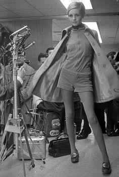 Hot Pants 1970 • Hotpants girls years 70's shorts ragazze anni 70 - Twiggy
