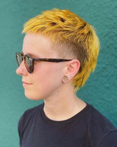 Mullet Haircut, Mullet Hairstyle, Haircut Style, Mullet Fade, Short Mullet, Short Mohawk, Undercut Hairstyles, Cool Hairstyles, Short Punk Hairstyles