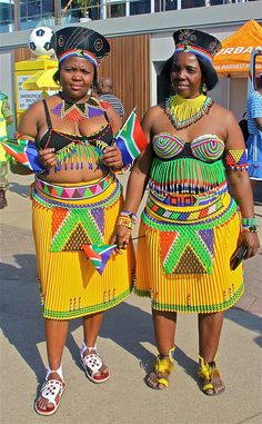 Zulu women supporting South Africa at the World cup 2010 African Attire, African Wear, African Women, African Dress, African Fashion, African Culture, African History, Black Is Beautiful, Beautiful People