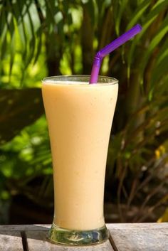 Cantaloupe Cream Shakeology -  1 Scoop Vanilla Shakeology 1 cup cubed Caneloupe  1/2 cup almond milk 3/4 cup water a few pieces of ice Directions:  Blend and Enjoy! #Shakeology #GetFit2StayHealthy