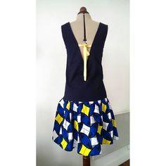 Dos de la robe #JadeLAP de @louisantoinetteparis offerte à ma soeur pour noël.Tissus @lescouponsdesaintpierre #jecoudspourmafamille #coutureaddict #slowfashion #louisantoinetteparis #wax Models, Couture, Chic, Instagram, Little Dresses, Virginia, Fabrics, Templates