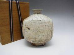 Old Korean White Pottery Vase W/wooden Box - Joseon Dynasty 798 photo Pottery Vase, Ceramic Pottery, Ceramic Art, Ceramic Boxes, Wooden Boxes, Korean Pottery, Korean Art, Japanese Ceramics, Japan Art