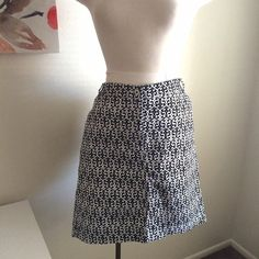 Patterned skirt Perfect for spring and summer! It's a white and black pattern. It's stretchy along the back waistband. Pockets on the front and back. 97% cotton and 3% spandex. It's marked as maternity but fits plus sizes really well. Liz Lange Skirts