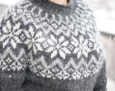 Snjóflyksa - pattern for Icelandic lopapeysa sweater / lopapeysa wool cardigan snowflake geometrical symmetrical circular yoke raglan Knitting Charts, Free Knitting, Knitting Patterns, Icelandic Sweaters, Wool Sweaters, Wool Cardigan, Aran Weight Yarn, Fair Isle Knitting, Pattern Fashion