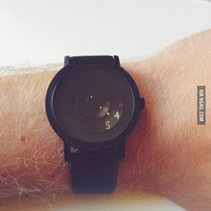 This minimal watch only shows what you need to know.