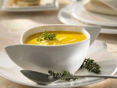 Rezept: Kürbissuppe mit saurer Sahne und Thymian