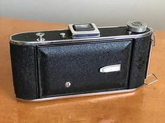 This is a REAL GEM! This camera has not been tested but seems to be in excellent clean condition with very little wear on the outside! Made in the USA. Selling as a collectible, in as-is condition. No returns or refunds.  Shipping costs within the US include Priority Flat Rate and extra insurance coverage.  If you are outside of the US, please contact me for a shipping and insurance quote. I will update the listing for you right before you purchase the camera. As of now, it shows no…
