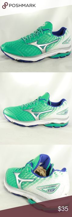 Mizuno Women's Wave Rider 19 - Atlantis/Silver/Blu Great lightweight running shoes. Upper is 10/10 condition. Sole and heel are 9.5/10 condition with almost no wear on the tread. Personally I love the colors too! Size 7 Colorway - Atlantis/Silver/Blue Mizuno Shoes Sneakers