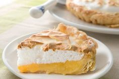 甘くてすっぱい☆見た目もさわやかで美味しい、レモンパイ。実はおうちでも作ることが出来ちゃうのです!今日はそんなレモンパイの作り方をご紹介しましょう♪
