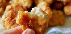 This recipe for healthy chicken nuggets is easy and delicious! Make your own homemade chicken nuggets rather than the store bought containing pink slime. Healthy Chicken Nuggets, Homemade Chicken Nuggets, Chicken Nugget Recipes, Healthy Chicken Recipes, Cooking Recipes, Keto Recipes, Duck Recipes, Recipe Chicken, Cooking Ideas