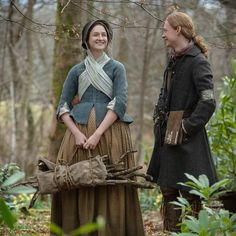 Nothing like a good laugh on set with good friends. Outlander Casting, Outlander Tv Series, Starz Outlander, Claire Fraser, Jamie And Claire, Tartan, Duncan Lacroix, Laura Donnelly, Outlander Costumes