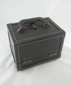 Boite à couture aspect cuir-mallette de rangement-mercerie Durand Avignon