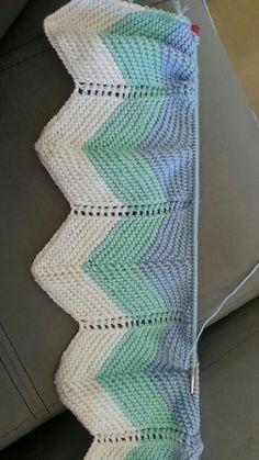 Maria Arisela Mireles Rocha's media content and analytics Crochet Baby Blanket Sizes, Chevron Crochet Blanket Pattern, Chevron Baby Blankets, Baby Cardigan Knitting Pattern, Lace Knitting Patterns, Knitting Stitches, Baby Knitting, Manta Crochet, How To Purl Knit