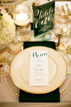 Champagne and Emerald Wedding Ideas from Sugar Branch Events - id die to have those chargers