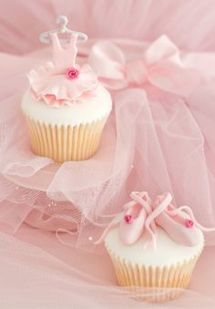 Ballerina Cupcakes by Patricia Arribálzaga