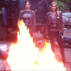 Tonight on #Defiance..... Amanda and Berlin are invited to a bonfire... And are totally unimpressed..... #byob @annabanana_hops