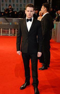 Pin for Later: Die Stars feiern bei den BAFTA Awards in London Jack O'Connell
