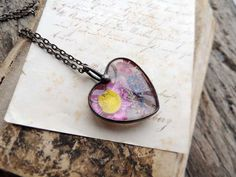 Heart necklace with real dry flowers, terrarium necklace, real plant jewelry, love, for nature lovers, MARIAELA