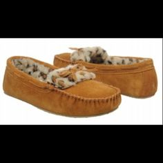 MINNETONKA MOCCASINS Stay warm and cozy in these adorable Minnetonka Moccasins. Suede uppers made in a slip on style. Faux fur lining and a cushioning footbed. Traction outer sole. Wear around the house or out and about. New still in box Minnetonka Shoes Moccasins