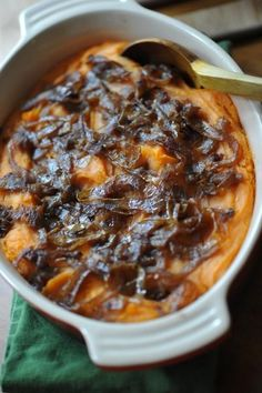Recipe Box: Three Delicious Vegetarian Thanksgiving Dishes: Semi-Sweet Potato Mash with Spiced Caramelized Onions Vegetarian Thanksgiving, Thanksgiving Recipes, Holiday Recipes, Great Recipes, Favorite Recipes, Sin Gluten, Vegetarian Recipes, Cooking Recipes, Cooking Tips