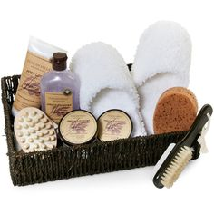 Tuscan Hills French Lavender Bath Gift Set (23 AUD) ❤ liked on Polyvore featuring beauty products