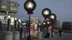 "Berbagai instalasi cahaya meramaikan Georgetown, kawasan wisata belanja dan perkantoran elit di Washington DC, menjelang akhir tahun hingga awal Januari. Proyek ""Georgetown Glow"" merupakan upaya menarik pengunjung ke kawasan tepi sungai ini di musim dingin, Simak dalam liputan tim VOA berikut.  Di YouTube: https://youtu.be/RXr524JOdTY"
