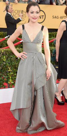 We love Tatiana Maslany's striped Oscar de la Renta gown. #blackandwhite #alwaysright #SAGAwards