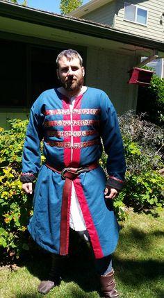 Viking coat - wool exterior, interior, silk trim, silver buttons. Viking Garb, Viking Men, Mens Garb, Viking Clothing, Landsknecht, Silver Buttons, Dark Ages, Kaftan, Mens Fashion