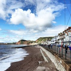 Serene English coastal town on Sunday morning #sidmouth #bythesea #englishforlife #notswimminghere #cliffs #theoldendays #bankholidayweekend by thecoffeevine
